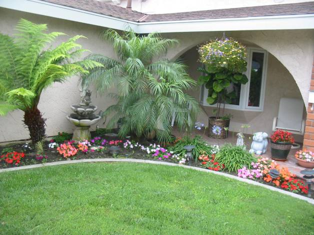 backyard-beautiful-yard-landscapes-famous-beautiful-front-yard-landscaping-1024-x-768-193-kb-jpeg